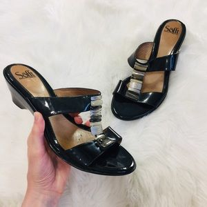 Sofft HIgh Shine Black Leather Slip on Sandals 11